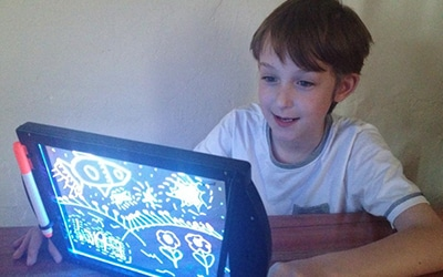 kids drawing board - glowing